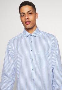OLYMP - OLYMP LUXOR MODERN FIT - Shirt - bleu - 5