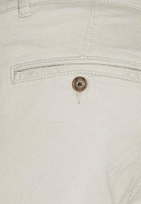 Selected Homme - SLHSTRAIGHT NEWPARIS FLEX PANTS - Chinot - moonstruck - 2