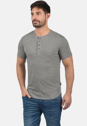 THAI - T-shirt z nadrukiem - mid grey