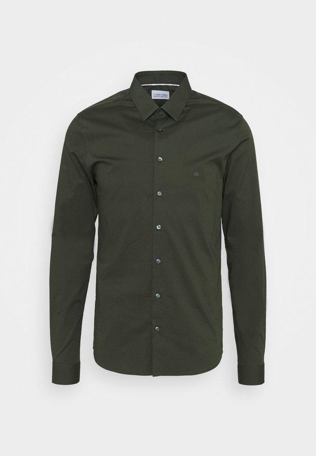 LOGO STRETCH EXTRA SLIM - Formal shirt - green