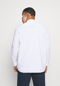 TOM TAILOR MEN PLUS - OXFORD BASIC - Shirt - white - 2