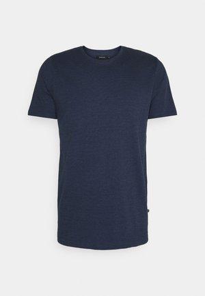 JERMANE - T-shirt - bas - dust blue