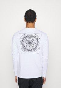YOURTURN - UNISEX - Long sleeved top - white - 0