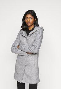 Vero Moda Petite - VMVERODONA JACKET - Classic coat - light grey - 2