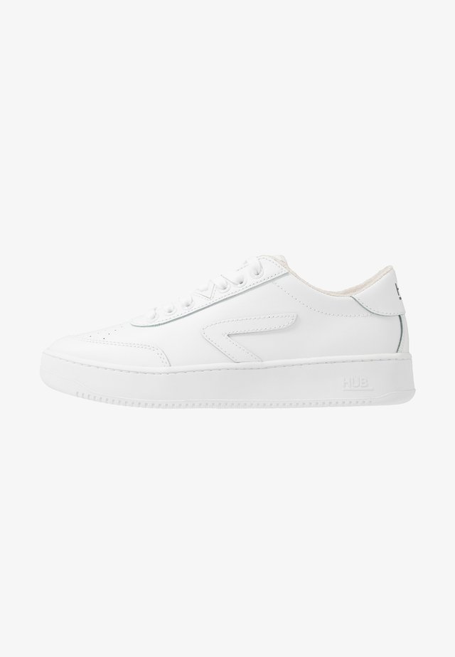 BASELINE - Trainers - white