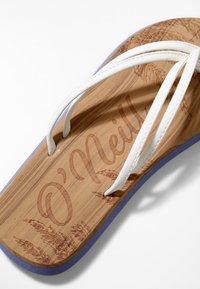 O'Neill - DITSY - Pool shoes - powder white - 5