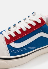 Vans - ANAHEIM OLD SKOOL 36 DX UNISEX - Skate shoes - original white/original blue/original red - 7