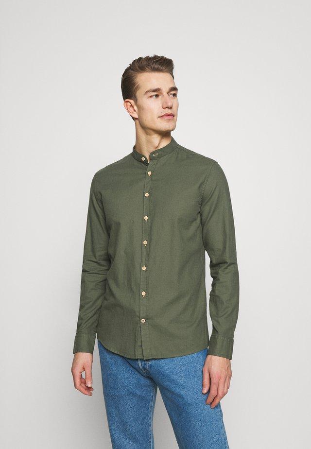 DEAN - Shirt - army