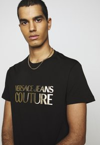 Versace Jeans Couture - MOUSE - T-shirt con stampa - black - 3