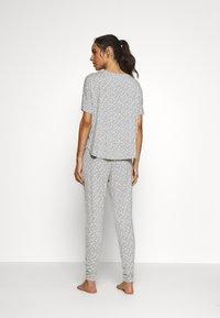 Hunkemöller - LOOSEFIT EYES - Pyjama top - warm grey melee - 2