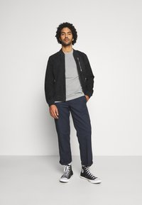 AllSaints - OSSAGE CREW - Basic T-shirt - parma grey - 1