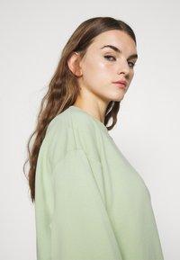 Monki - Sweatshirt - dusty green unique - 3