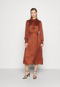 Vila - VIRAMDI FUNKEL DRESS - Shirt dress - burnt henna - 0