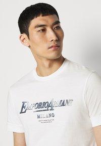Emporio Armani - Print T-shirt - white - 4