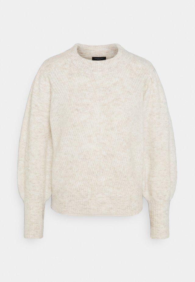 SLFLINNA O NECK - Jersey de punto - sandshell
