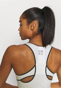 New Balance - SPEED FUEL FASHION TANK - Sports shirt - seasalt - 4