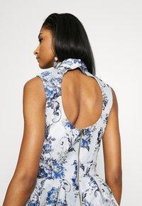 Chi Chi London - ELOWEN DRESS - Sukienka letnia - blue - 4
