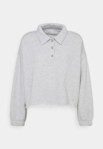 Sweatshirt - medium heather gray
