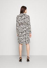 Vero Moda - VMKATHRINE SHIRT DRESS - Shirt dress - black - 2