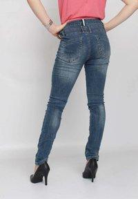 Buena Vista - Slim fit jeans - blue destroyed denim - 2