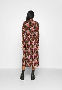 NA-KD - MIDI DRESS - Day dress - rose - 2