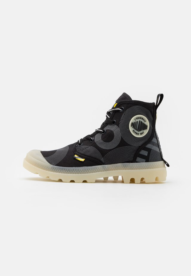 PAMPA GITD X SMILEY UNISEX - Stivaletti stringati - anthracite
