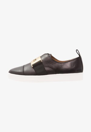 ILONA - Loaferit/pistokkaat - black