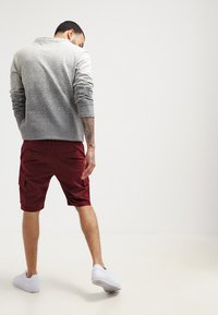 YOURTURN - Shorts - bordeaux - 2