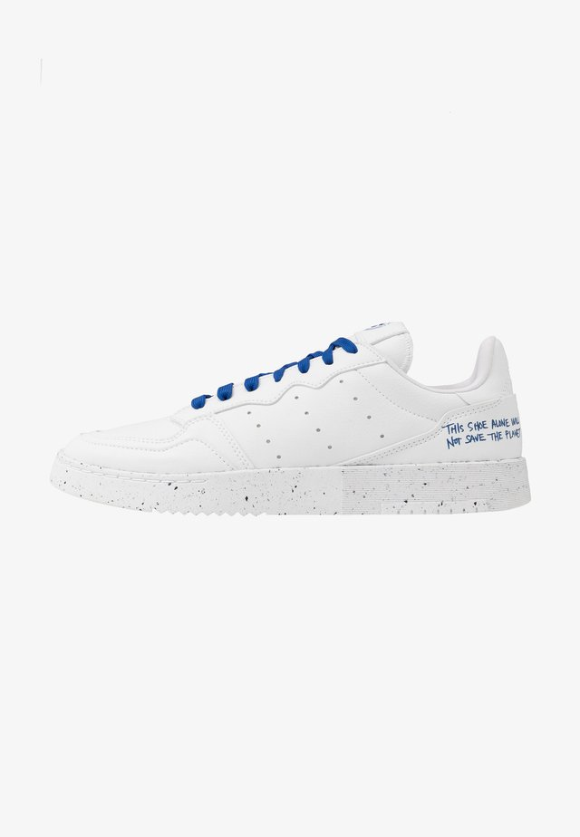 SUPERCOURT SPORTS INSPIRED UNISEX - Sneakers basse - footwear white/collegiate royal