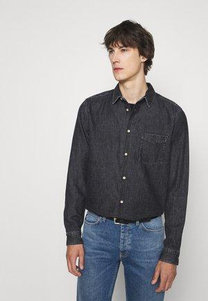 POUL - Camisa - washed black