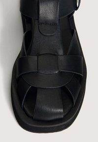 OYSHO - Sandály - black - 4