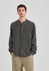 PULL&BEAR - Košile - mottled black - 0