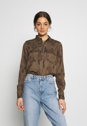 HARLOWE MILITARY - Button-down blouse - green