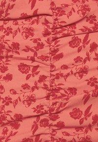 VILA PETITE - VIPHILLA RUCHED DRESS - Shift dress - barberry - 2