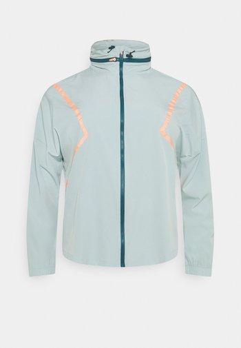 ONPFERR TRAIN CURVY - Training jacket - gray mist/neon orange
