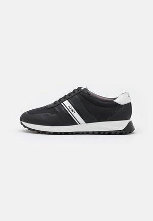 HANNIS - Zapatillas - black