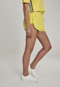 Urban Classics - LADIES TOWEL HOT PANTS - Verryttelyhousut - brightyellow - 2