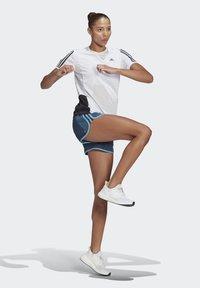 adidas Performance - MARATHON 20 COOLE RESPONSE AEROREADY RUNNING SHORTS - Pantaloncini sportivi - crew navy/hazy blue - 1