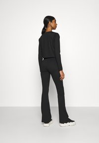 Topshop - FLARE AND TIE FRONT SET - Cardigan - black - 3