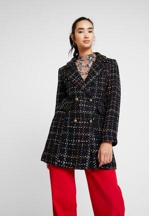 ONQISABELLA CHECK COAT - Zimní kabát - black