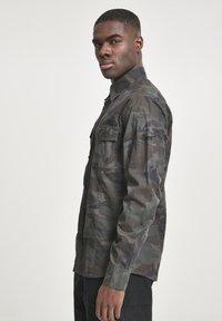 Brandit - SLIM FIT - Shirt - olive - 3