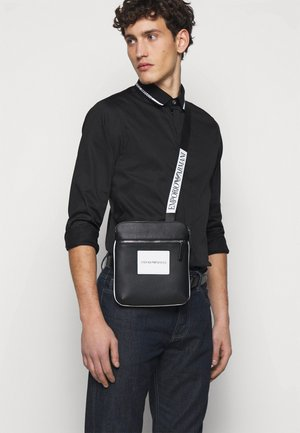 MESSENGER BAG UNISEX - Across body bag - pepper/black