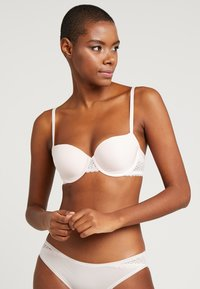 Calvin Klein Underwear - FLIRTY LINED BALCON - Underwired bra - nymphs thigh - 0