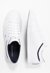 Tommy Hilfiger - ESSENTIAL - Sneakers - white - 1