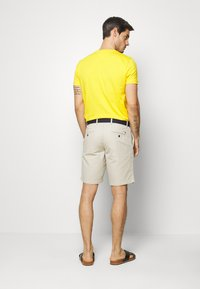 Tommy Hilfiger - BROOKLYN LIGHT BELT - Shorts - beige - 2