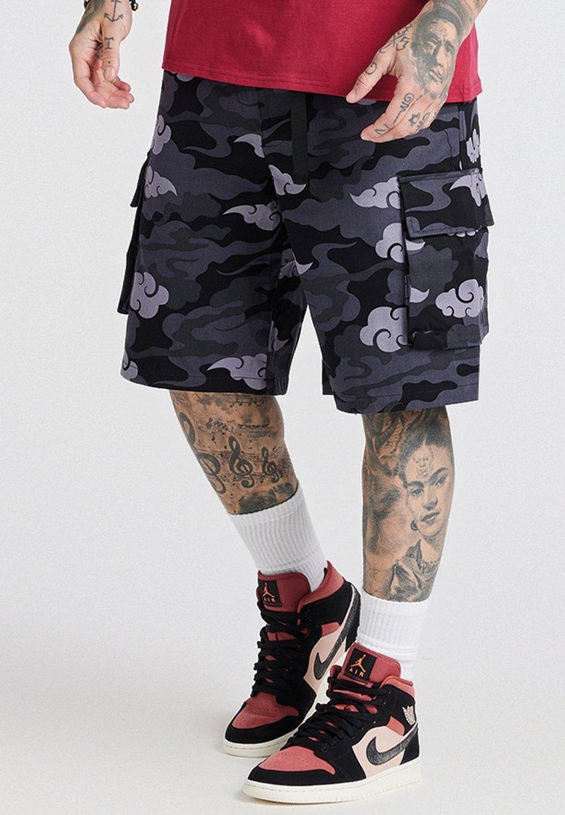 SIKSILK - AOKI CARGO  - Shorts - black/grey