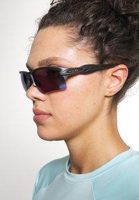 Oakley - FLAK 2.0 XL UNISEX - Sportbrille - steel - 3