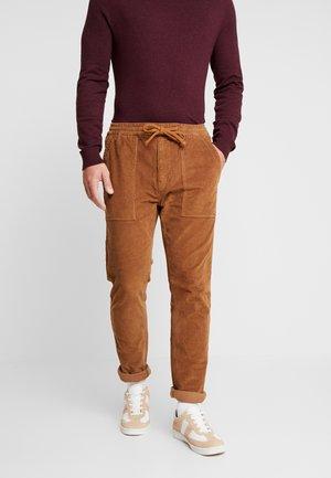 UTILITY PANT - Spodnie materiałowe - tan