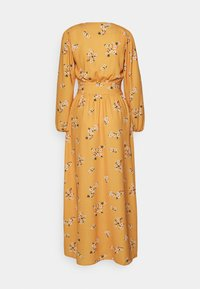 True Violet Tall - TRUE PLUNGE FRONT WITH BUTTON DETAIL - Maxi šaty - yellow - 1