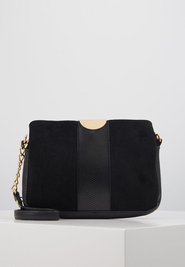 PAULA - Across body bag - black